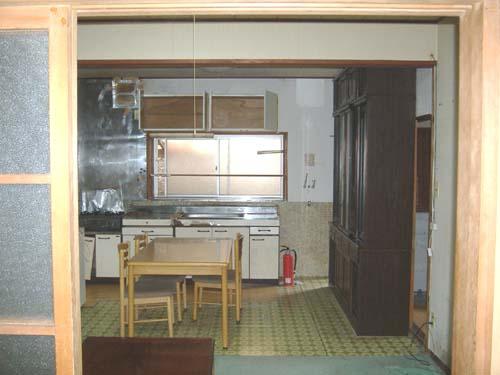 暗くて老朽していたキッチンが憧れの対面式に!