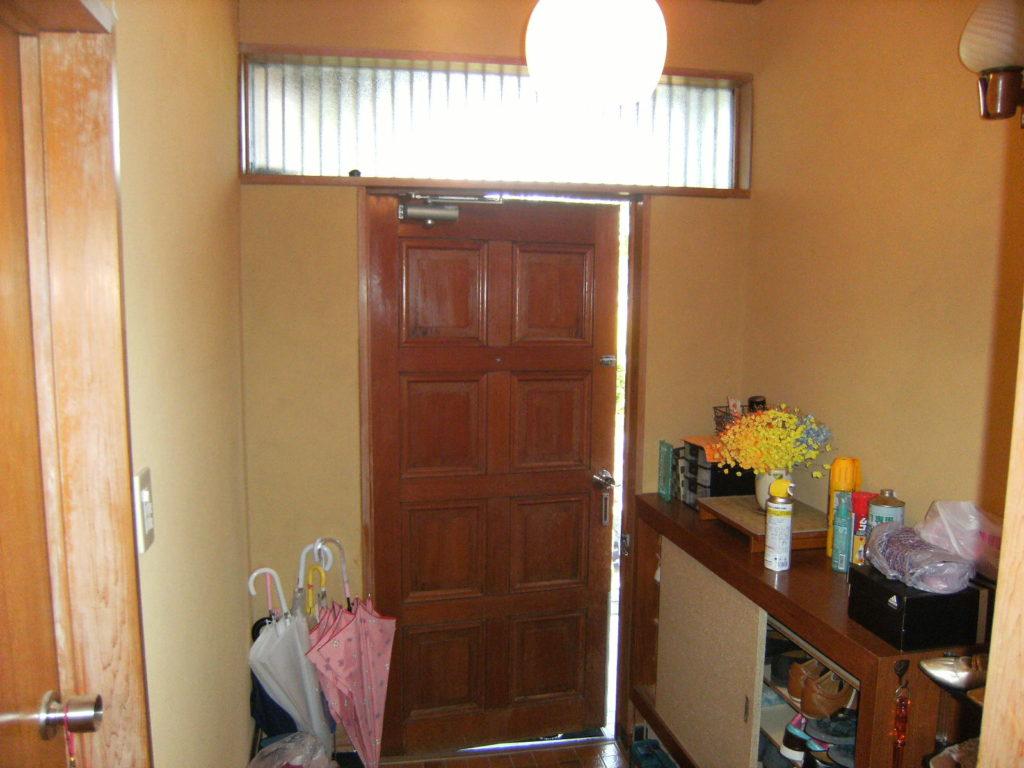 古くなった玄関ドアを新しくしたい!