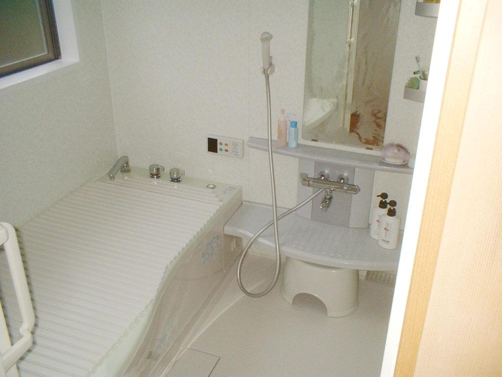 洗面室からお風呂への段差を解消したい!