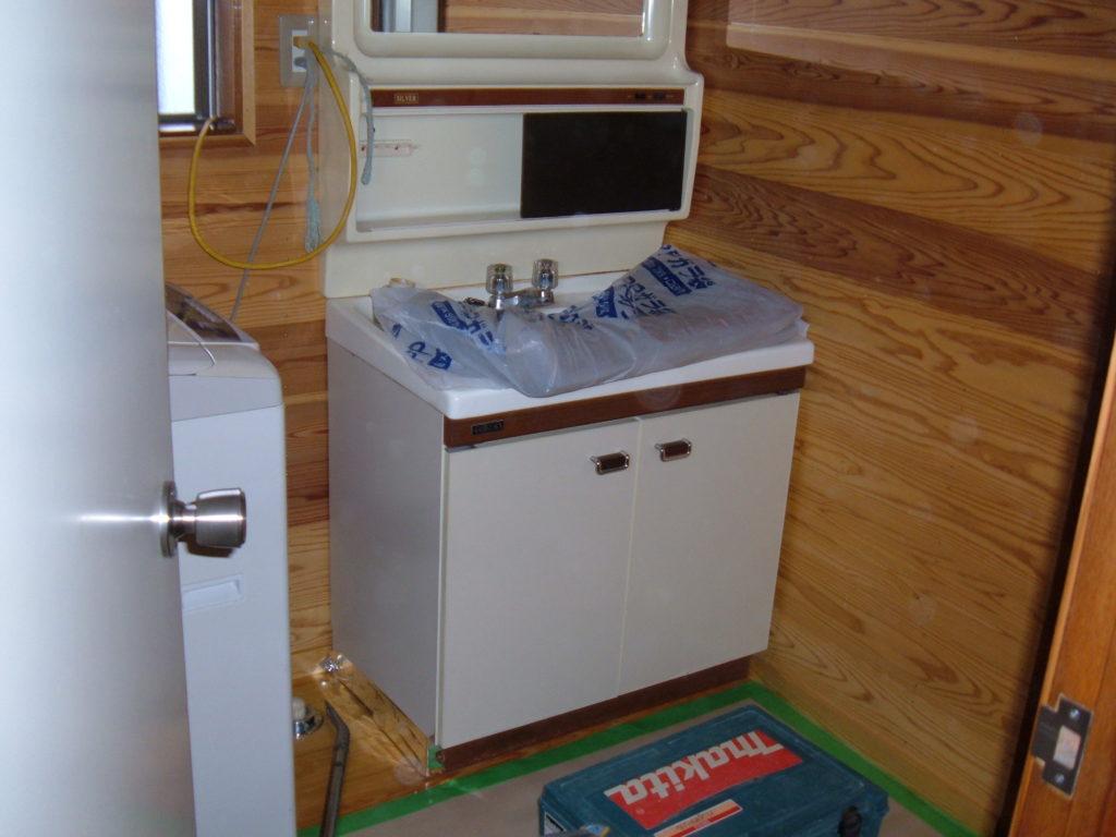 ハンドルタイプの洗面化粧台