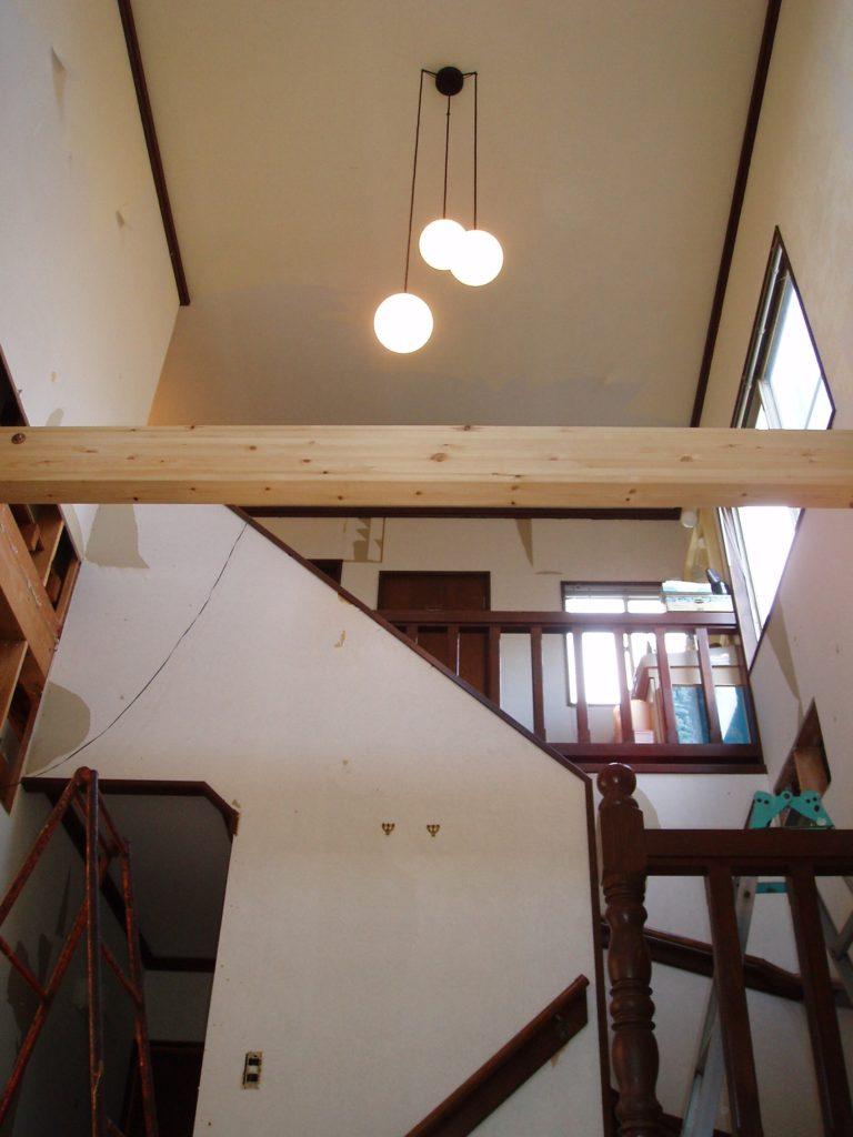 玄関吹抜け部の水平剛制の確保